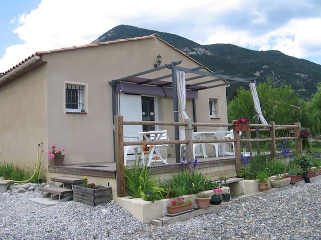 """Chambres d'Hôtes """"Les Mésanges"""" - Saint-André-les-Alpes"""