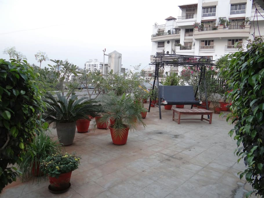 Ac room with terrace and garden koregaon park apartments for Terrace 6 indore address