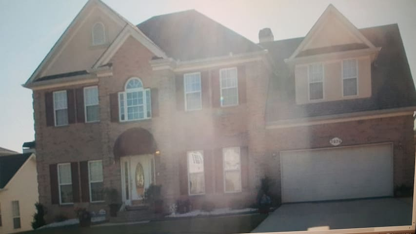 Lower Level Apartment living in a Beautiful Home - Decatur - Apartamento