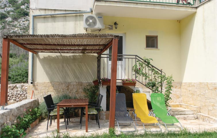 Holiday apartment with 2 bedrooms on 35m² in Trstenik