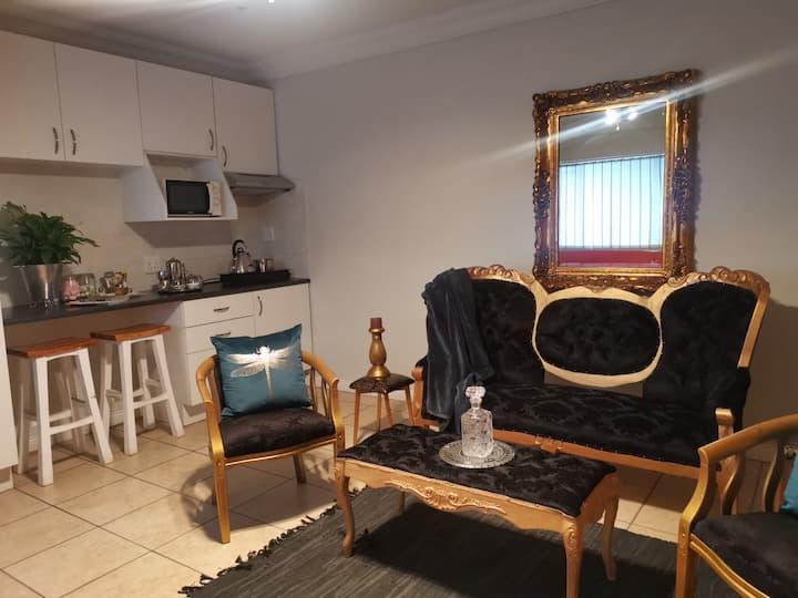 NEW LUXURY Apartment in Eldoraigne, Centurion