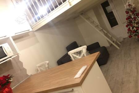 confortevole mini appartamento open space design - Bari