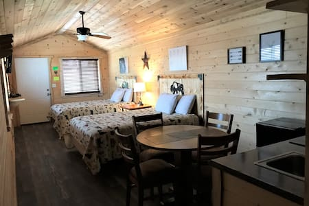 Cabin near Yellowstone sleeps 4.