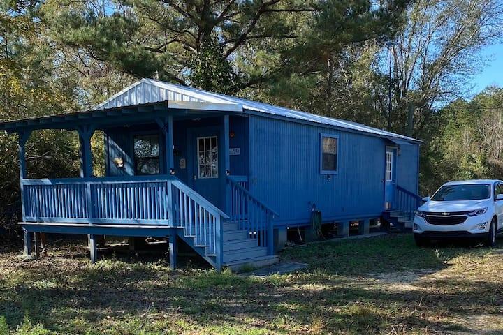 Cozy, Quiet, Tiny House - A Perfect Getaway