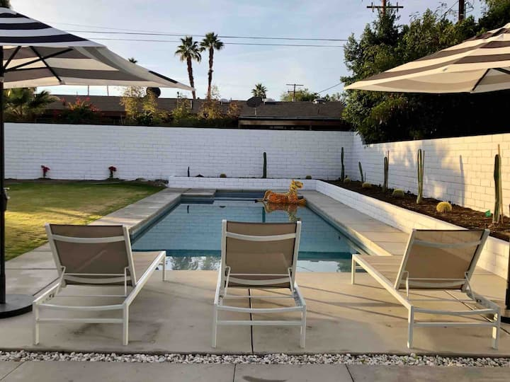 Midcentury Sanctuary-Expansive outdoor + pool&spa