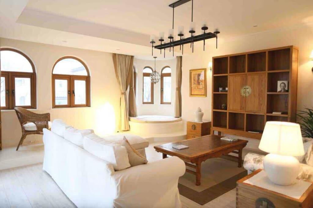 宽敞迷人、异域风情的客厅