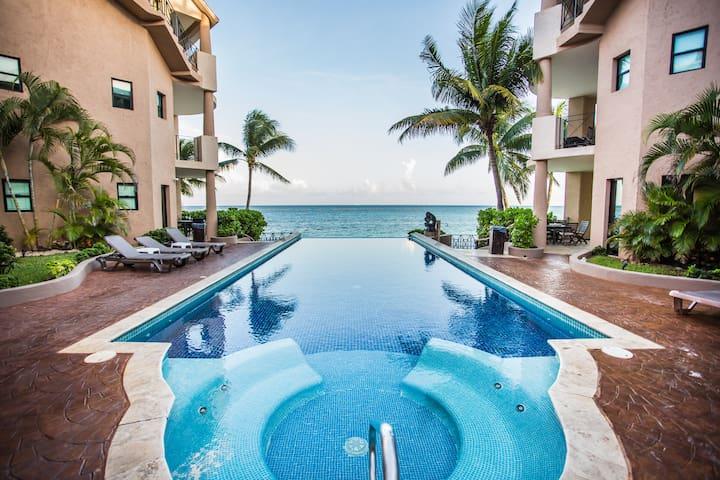Ocean Front Villa Luna Encantada w 24/7 security