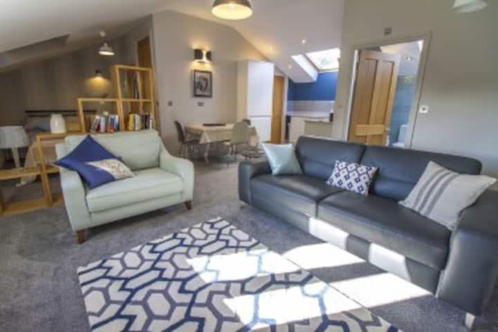 Modern Quiet Apartment