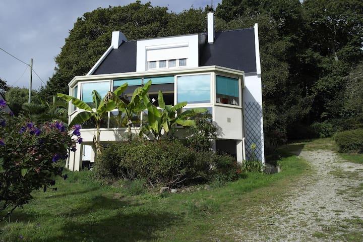 Grande maison vue mer avec grand jardin clos - Roscanvel - Haus