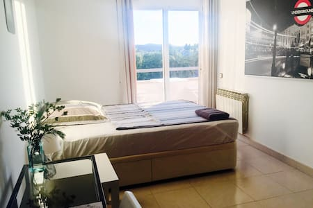 Room with sunset & mountain views  - Sitges - Bed & Breakfast