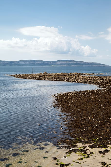 Galway Bay, about 5 minute walk from the cottages!