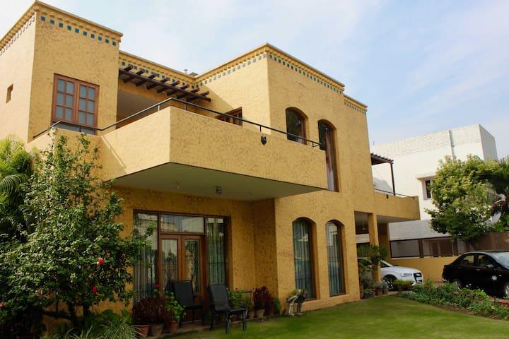 Malik's Villa Ménage Chandigarh