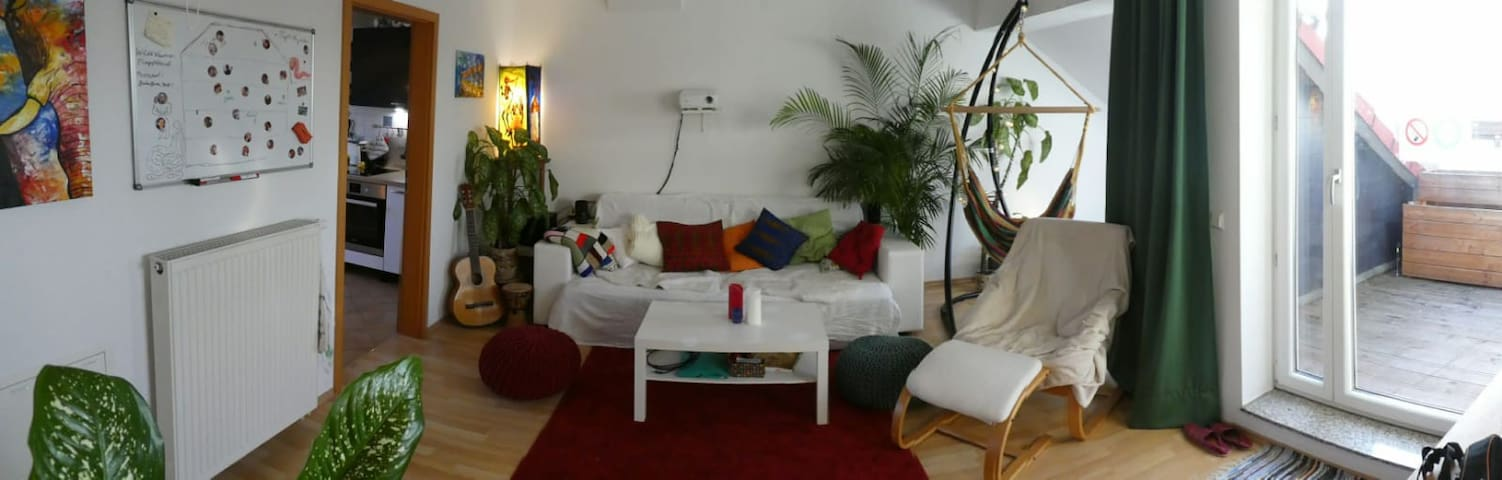 Romantic rooftop apartment 10 min from center!