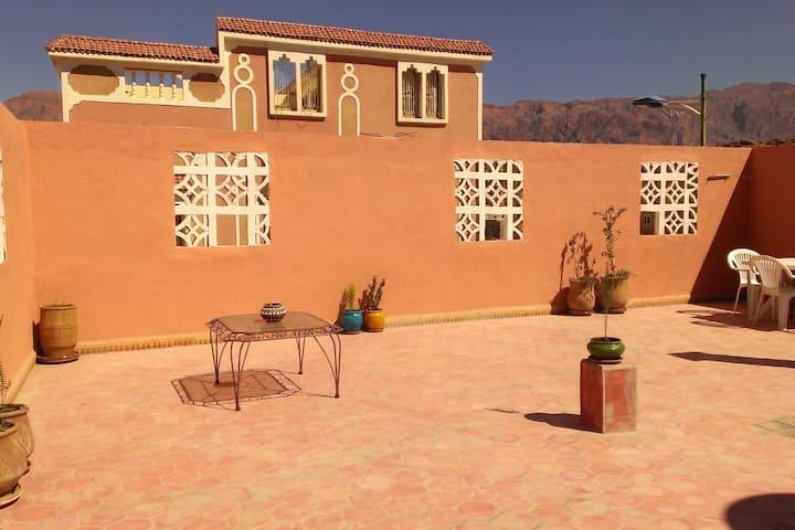 Appartement Ziyara 2 indépendant, 300 m du centre
