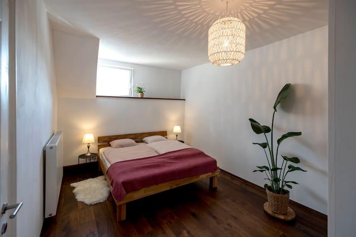 Schlafzimmer Ostseitig - Ruhig -Richtung Mur gelegen