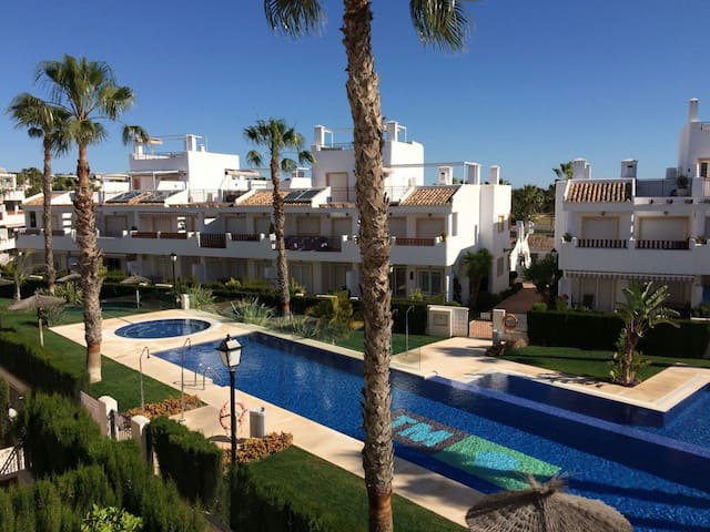 Flat with view on the pool close to golf and beach - Orihuela - Apartamento