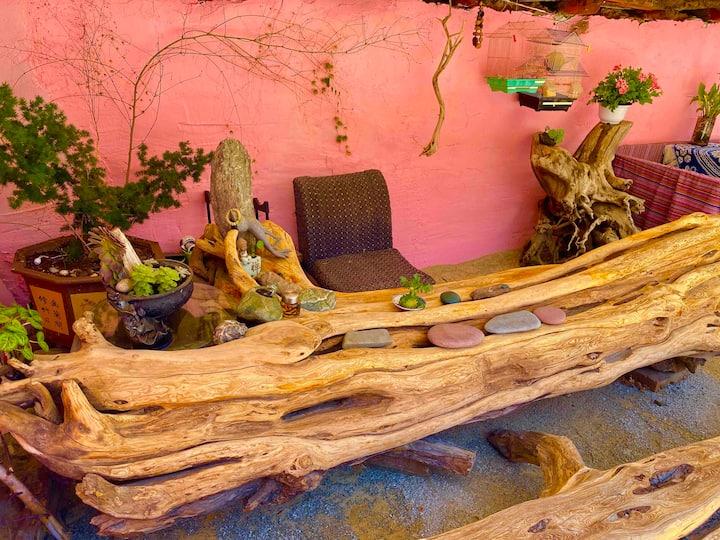 香格里拉古城中心大床房-木子小院客栈-可停车、可做饭、有茶室有花园、有私家车出租!