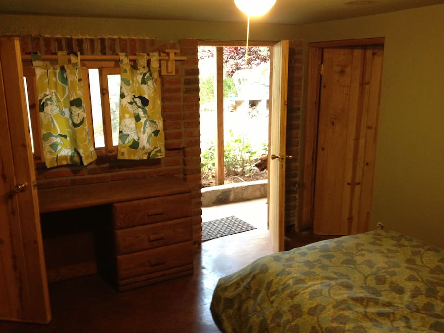 View from inside of 2nd bedroom with single bed.