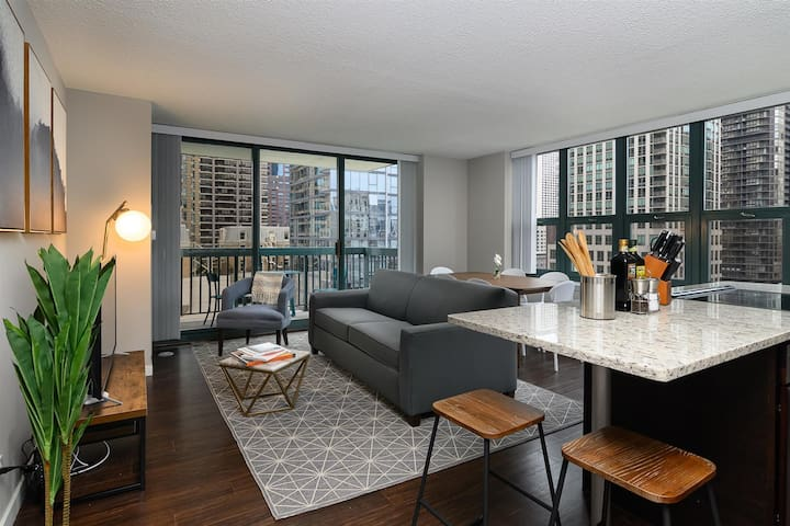 Kasa Chicago River North Apartments | Two Bedroom