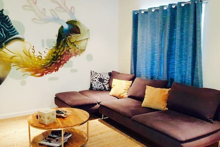 Artistic Beach Inspired Apt w/ Bikes Included - Marina del Rey - Apartment