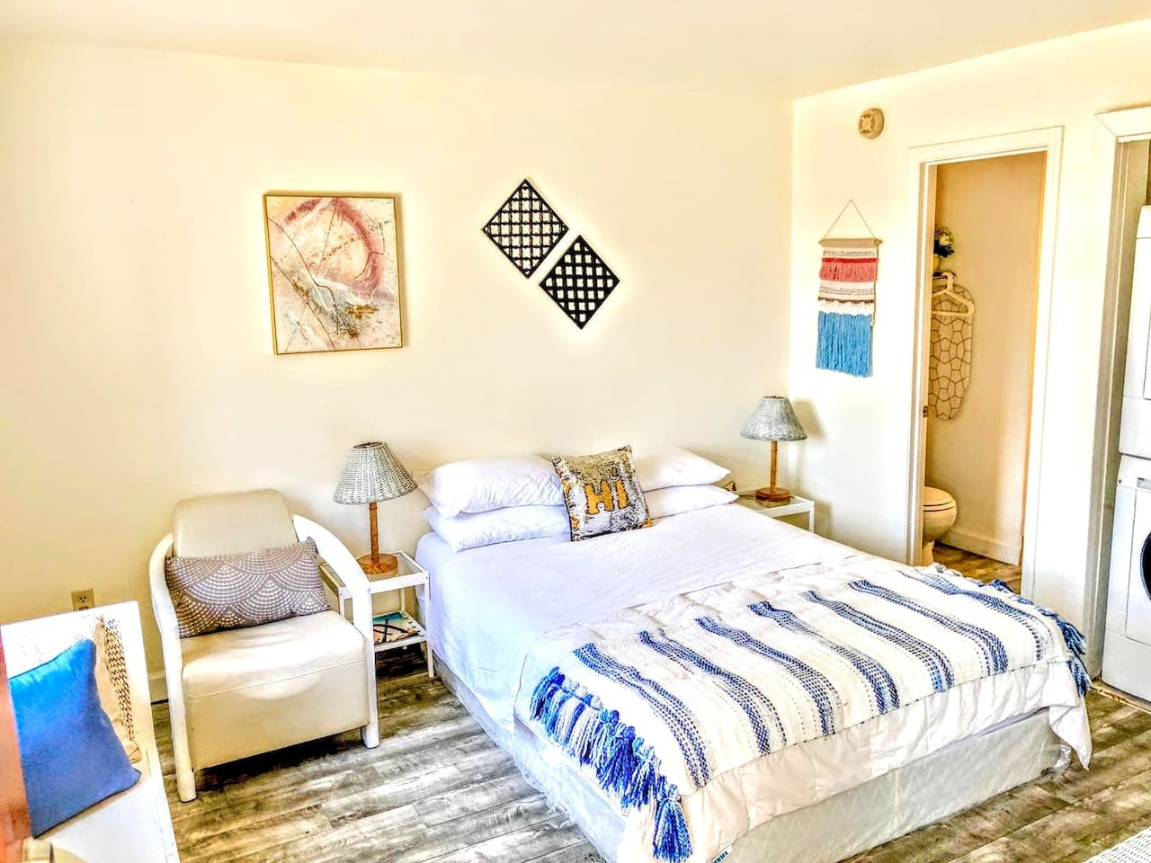 Queen size bed with comfortable mattress - fresh towels and linens are provided!