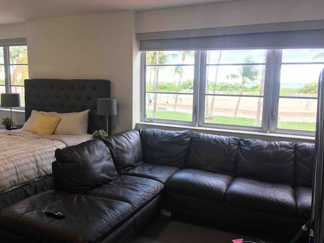 SOFA on ocean dr. ACROSS from beach *FEMALE ONLY*