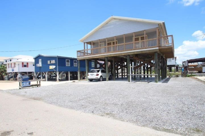 Wahoo is a Waterfront camp with Boat Access and Boat Launch