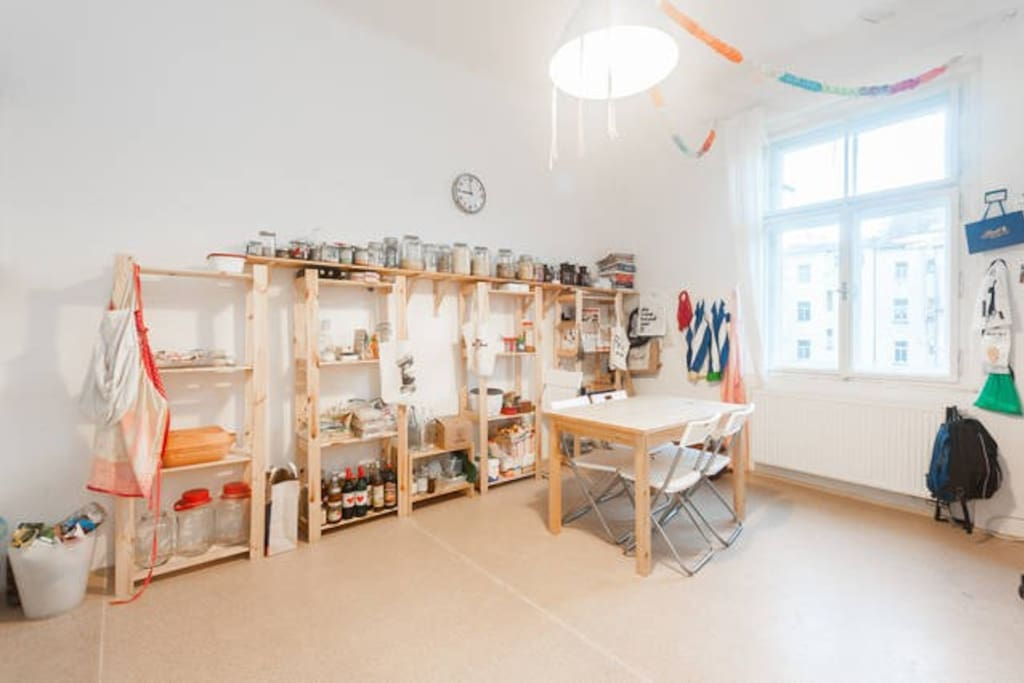 Kitchen/Common space
