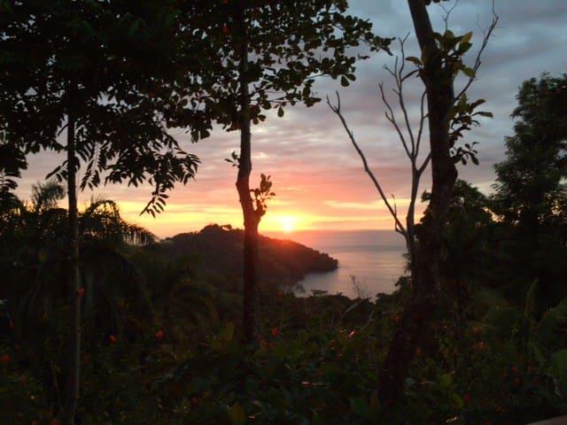 Emerald, Sapphire, Topaz Views, Casa Camila 2 - Quepos - Dom