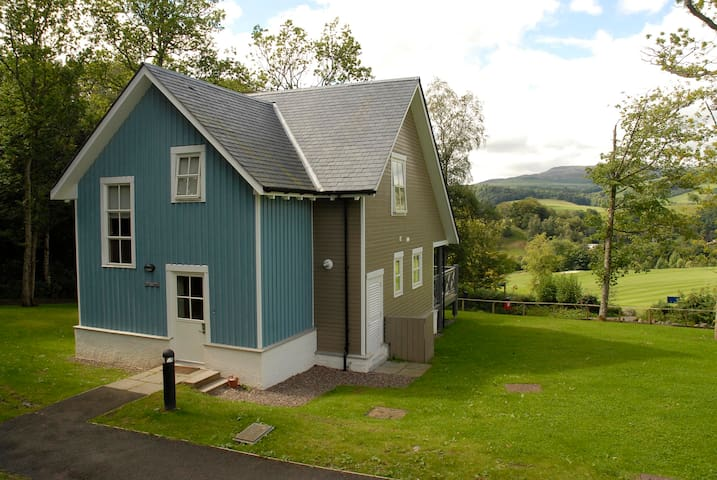 Crieff Lodge, luxury self -catering sleeps 6