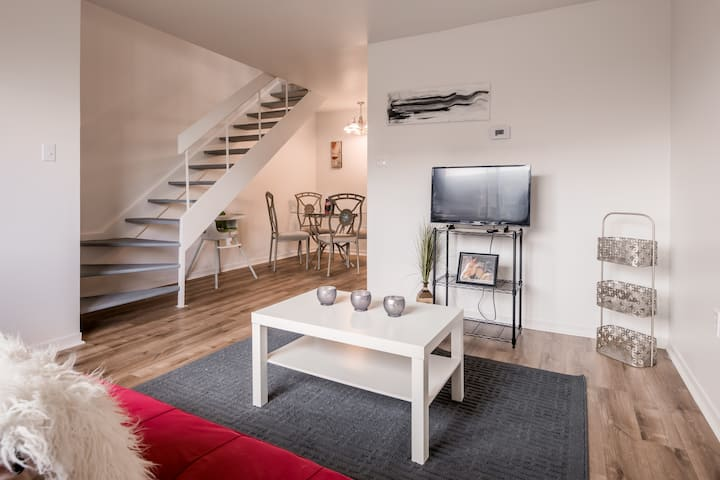 ⭐⭐⭐⭐⭐ CLEAN,AND TIDY PRIVATE TOWNHOUSE