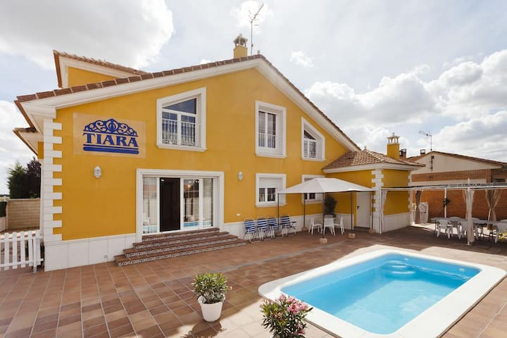 House with private pool - Nava de la Asunción - Rumah