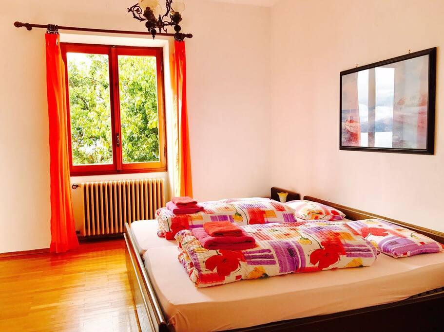 Ampia camera matrimoniale Doppelbett-Zimmer