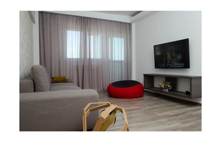 Bucharest Spacious 2 room apt. near city center - București - Apartment