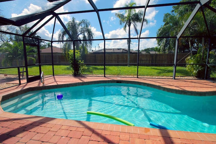 Dream family vacation. Pool fun. Pet friendly. Villa Florida Flair