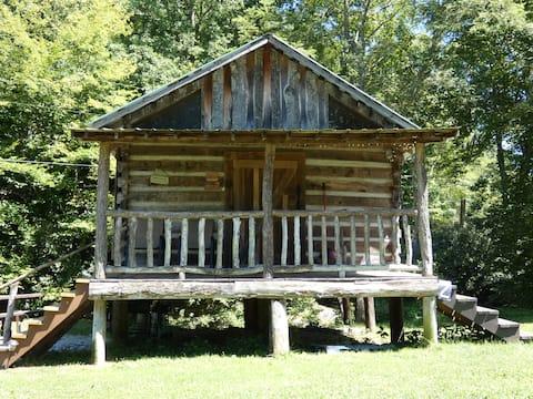 #2 Riverside Great camping cabin