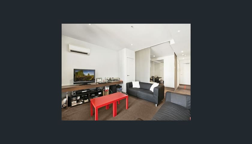 Big Fully Furnished studio-convenient location CBD