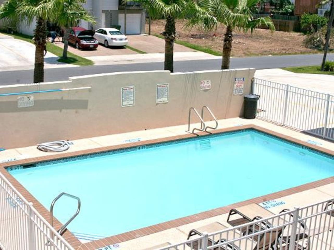 great 3bdr condo with pool in the entertainment district of south