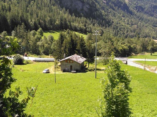 Casa La Rissaz tra Valpelline ed Oyace