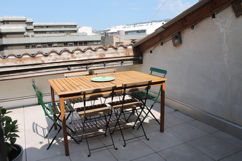 Terrasse ensoleillée de 15m2 sans vis à vis (2)