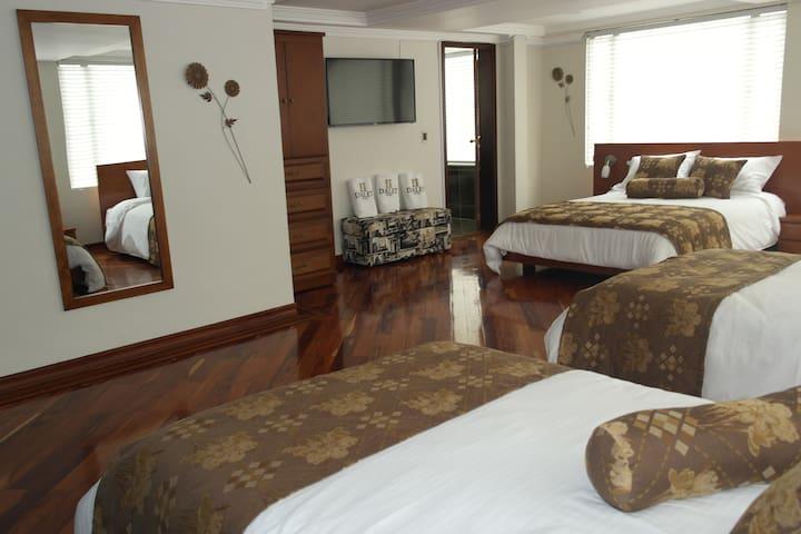 Habitación múltiple - Hotel Dalet