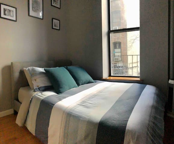1BR in UWS 5 mins to B, C, 1 trains & Central Park