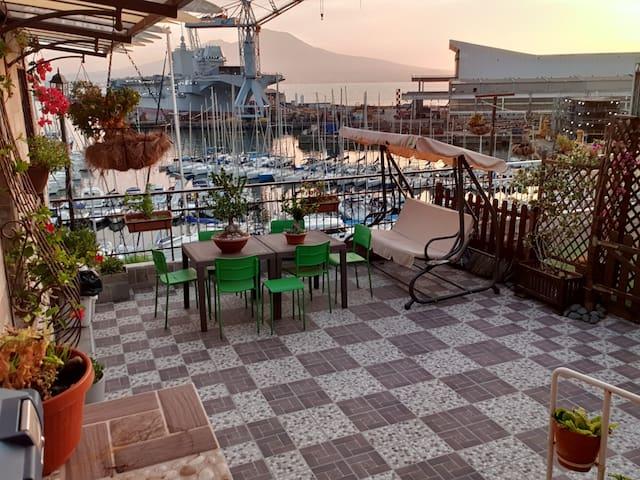 B&B Siriana Open space on the port