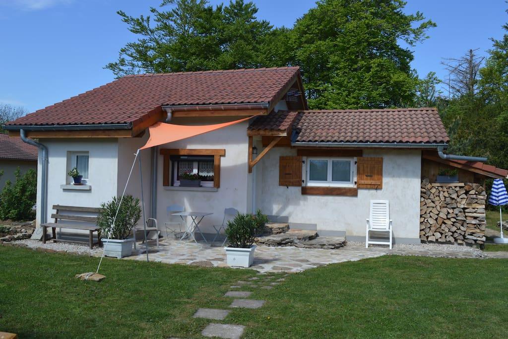 Maison et jardin vue principale