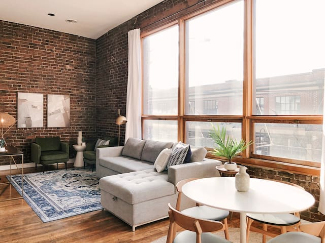 Bright Old City Loft
