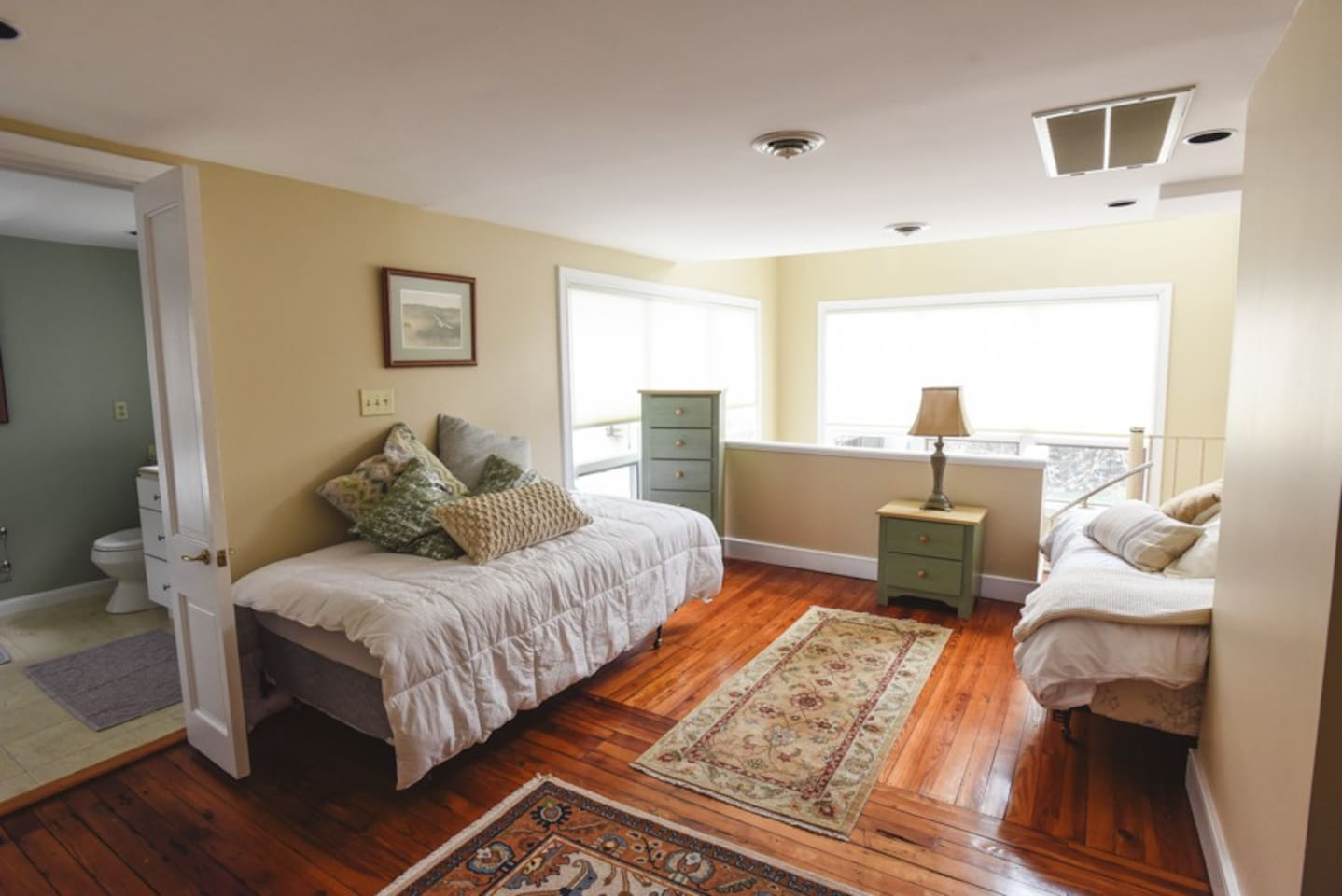 THE SAND DUNE ROOM -Perfect for a friends get away -  3 single beds and a large private bathroom with walk-in shower.