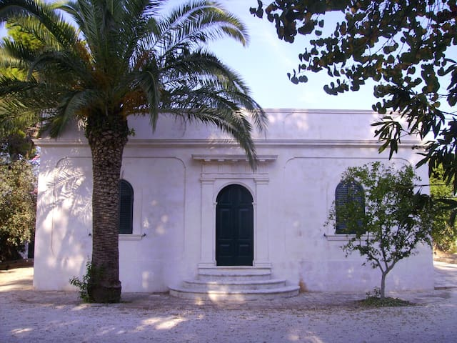 Old pictoresque country house - Ceglie Messapica - Huis