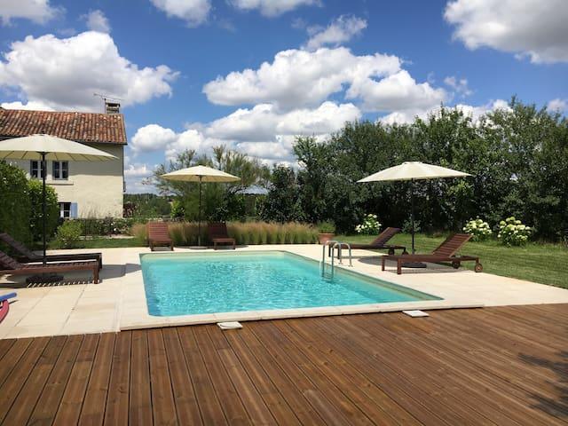 Haybarn @ Le Texier, gite with pool - Verteillac - Casa
