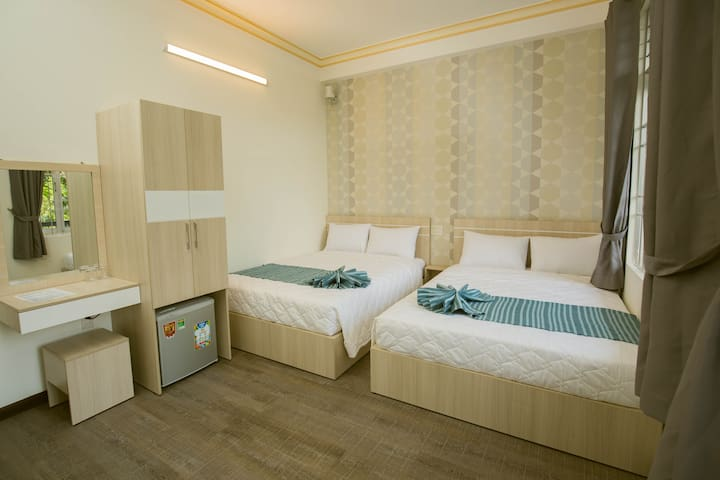 Superior Twin Bed with Balcony - Mr Duy 2 Hostel
