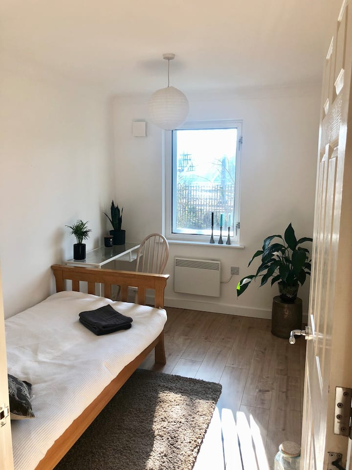 Single room next to central train station